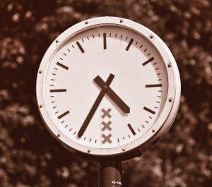 clock: 4:35