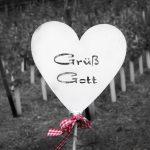 """sign saying """"Grüß Gott"""""""